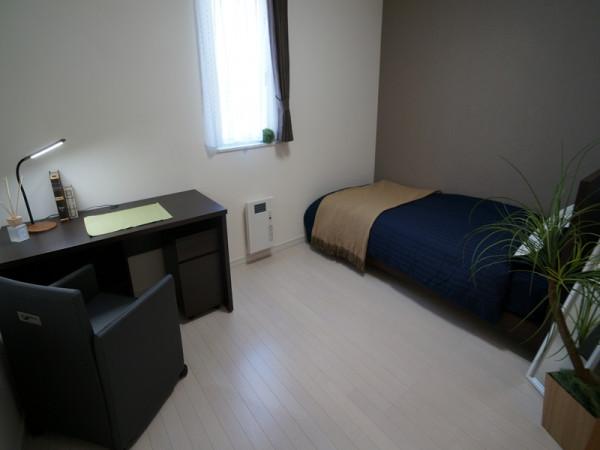 寝室 6帖
