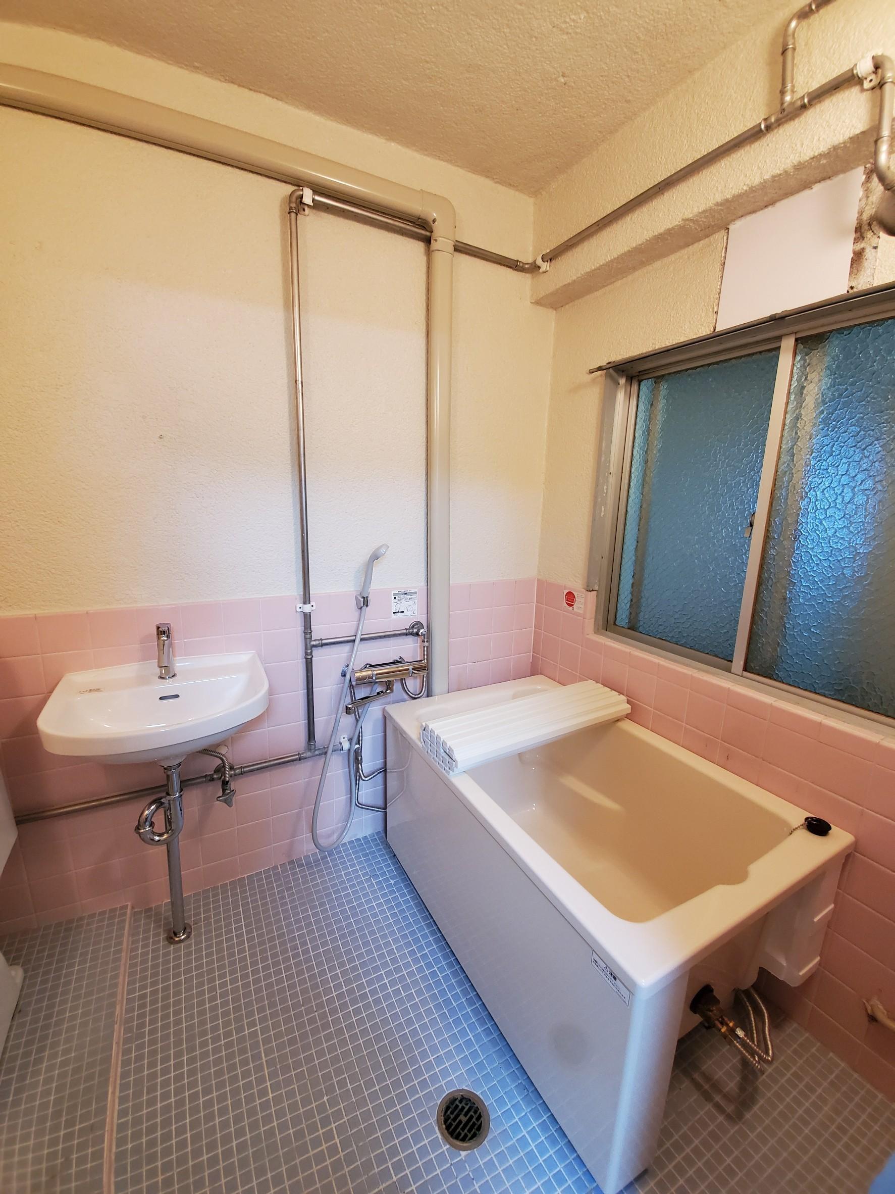 浴槽新品交換済